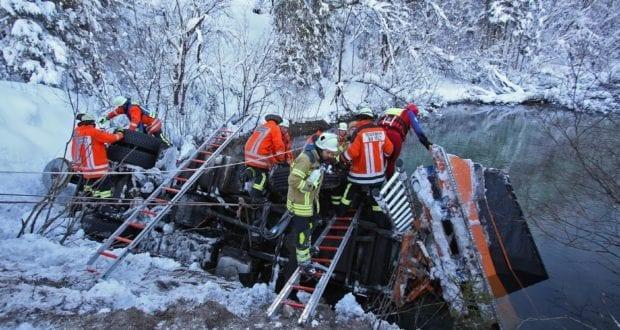 Lenggries Schneepflug Unfall-Vorderiss