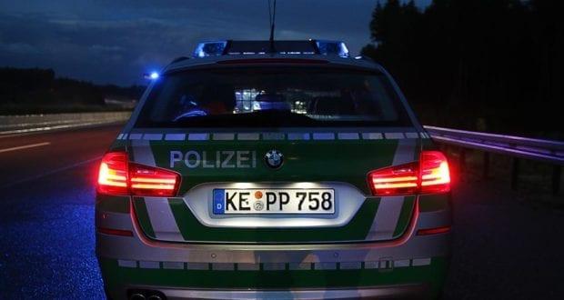 Polizeifahrzeug dunkel Autobahnpolizei