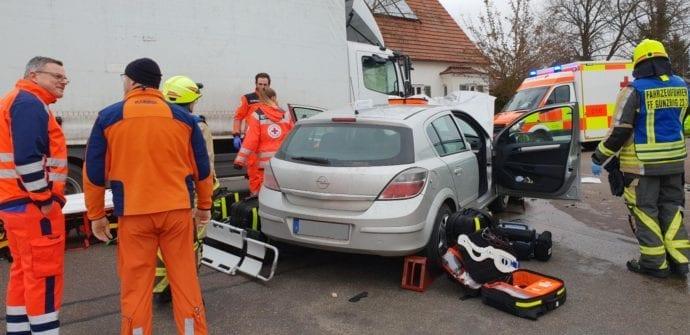 Rettenbach Unfall Pkw Lkw 30012019 1