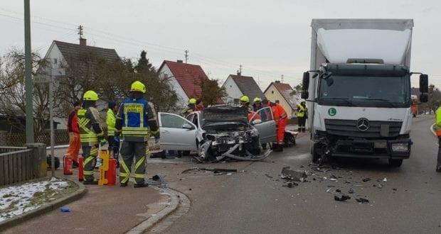 Rettenbach Unfall Pkw Lkw 30012019 4