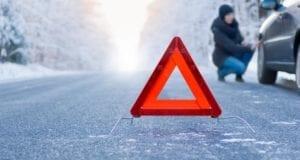 Schnee Unfall Schneeunfall Warndreieck