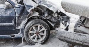 Unfall Schnee Schneeunfall Blechschaden