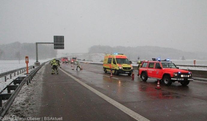Unfall A8 Günzburg-Burgau Hund entlaufen 03022019 10