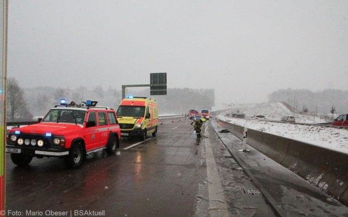 Unfall A8 Günzburg-Burgau Hund entlaufen 03022019 13