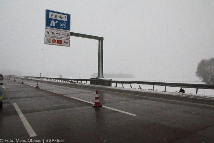 Unfall A8 Günzburg-Burgau Hund entlaufen 03022019 16