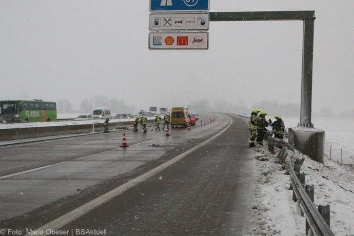 Unfall A8 Günzburg-Burgau Hund entlaufen 03022019 6