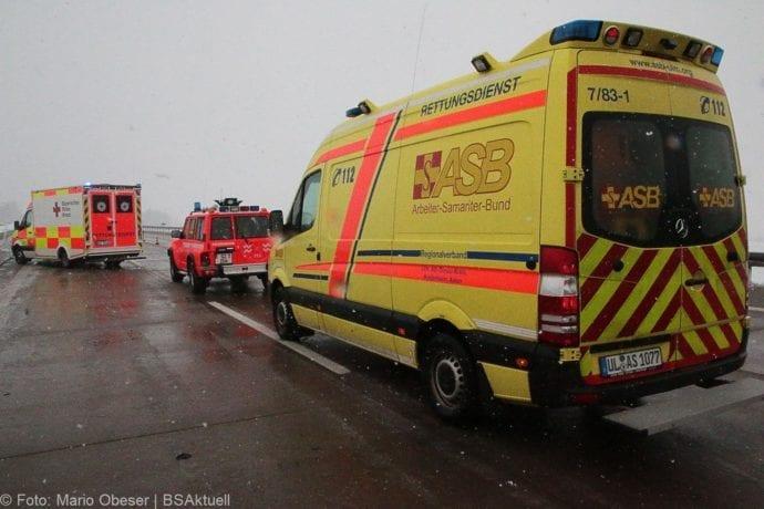 Unfall A8 Günzburg-Burgau Hund entlaufen 03022019 8