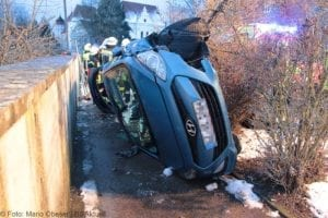 Wettenhausen Unfall Pkw 09022019 32