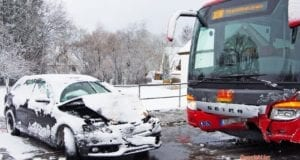 Oberrohr Unfall Schulbus Pkw 11032019 1