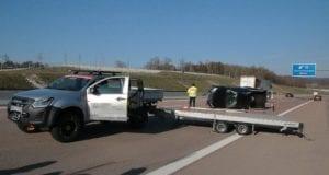 Verkehrsunfall A8 Zusmarshausen Pickup-Anhänger Gespann