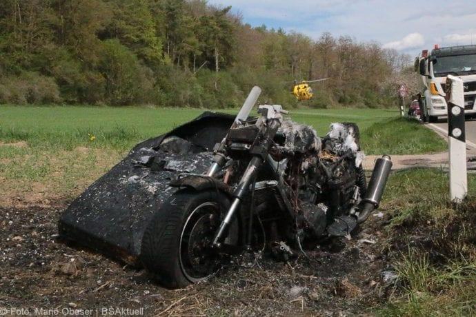 Brand Motorrad mit Beiwagen Rollstuhlfahrer 24042019 1