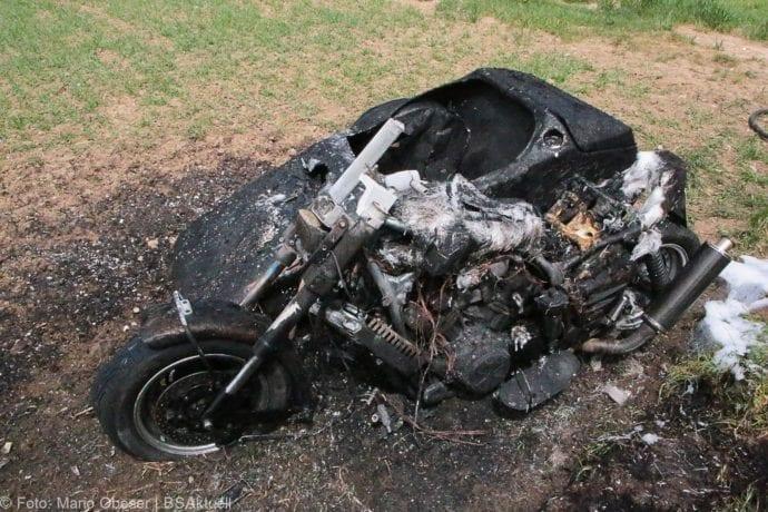 Brand Motorrad mit Beiwagen Rollstuhlfahrer 24042019 16