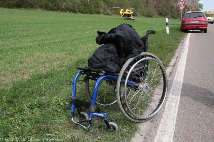 Brand Motorrad mit Beiwagen Rollstuhlfahrer 24042019 5
