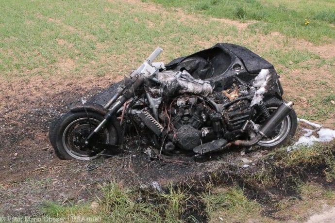 Brand Motorrad mit Beiwagen Rollstuhlfahrer 24042019 6