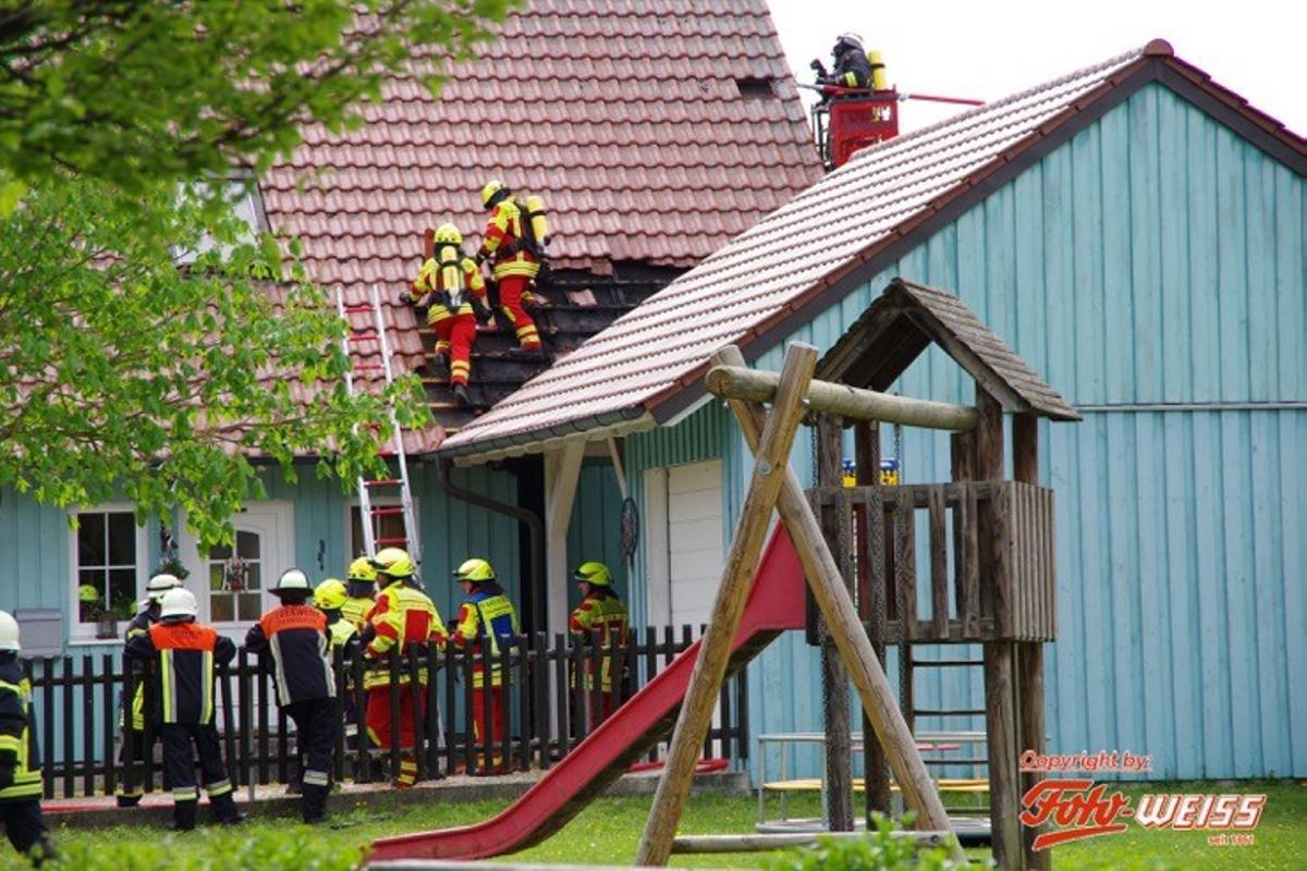 Brand Oberrohr Fassade und Dach 25042019 2