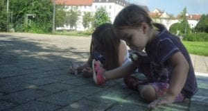 Günzburg Kultursommer Auftakt Straßenmalkreide