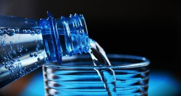 Glas Wasser Wasserglas Trinkwasser