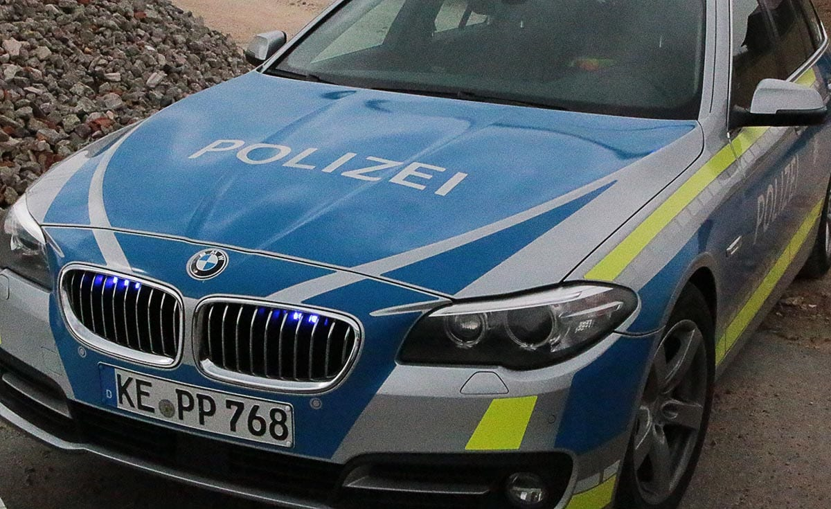 Polizeifahrzeug Front Blitzer