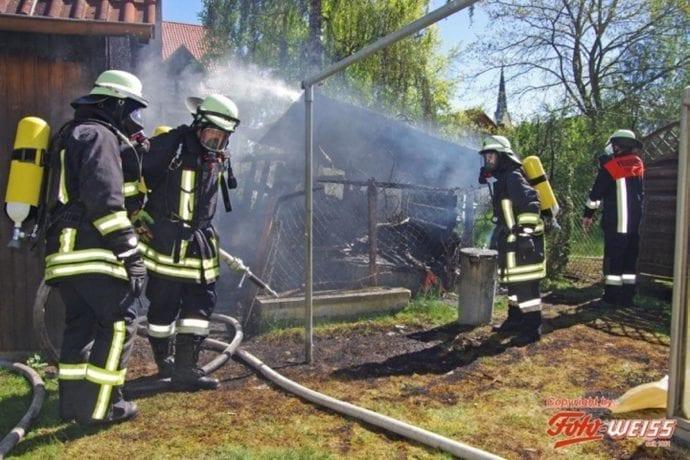 Thannhausen Brand Gartenhütte 25042019 2