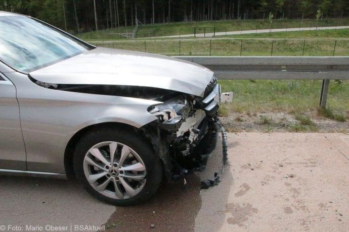 Unfall Spurwechsel A8 Burgau-Zusmarshausen 27.04.2019