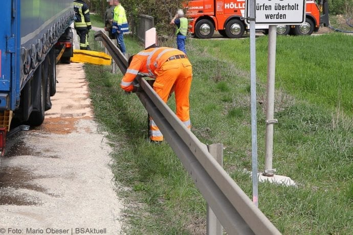 Unfall B16 Emmausheim 23042019 3