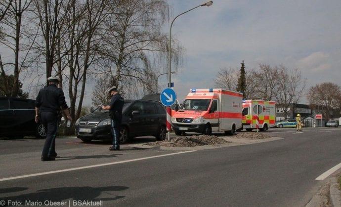 Unfall Ichenhausen Pkw erfasst Kind auf Roller 03042019 12