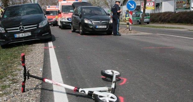 Unfall Ichenhausen Pkw erfasst Kind auf Roller 03042019 9