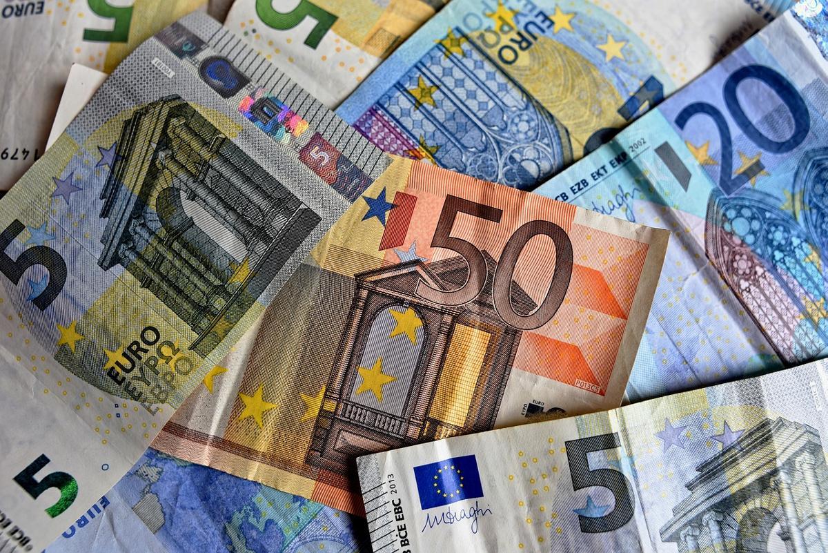 Neu-Ulm: Diebstahl und Wechselbetrug in Apotheke - BSAktuell