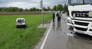 Bobingen Unfall Pkw Lkw 10052019 2