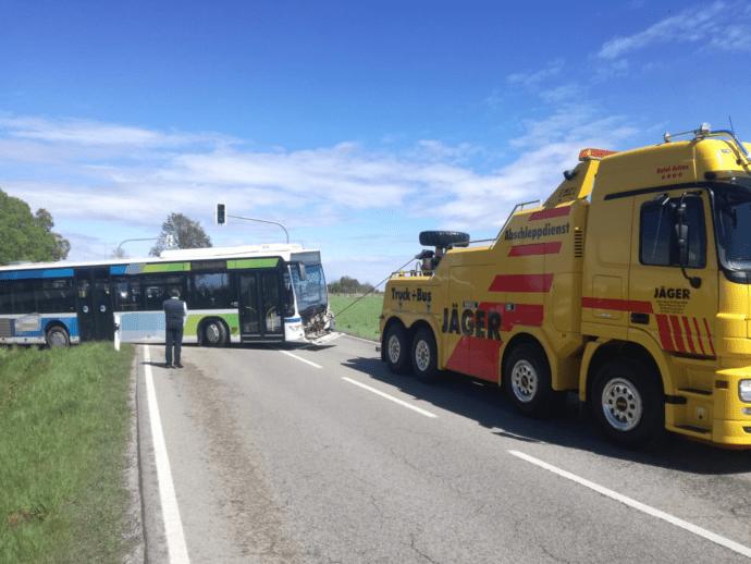 Bobingen Unfall Pkw Lkw 10052019 3