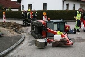 Rettenbach Arbeitsunfall Minibagger umgekippt 16052019 3