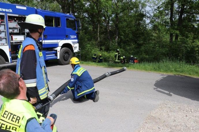Jugend übt gemeinsam – Feuerwehr-THW Günzburg Reisensburg 1