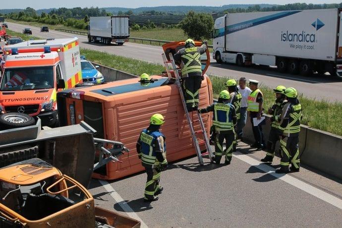 Unfall A8 Günzburg-Leipheim Gespann umgekippt 05062019 7