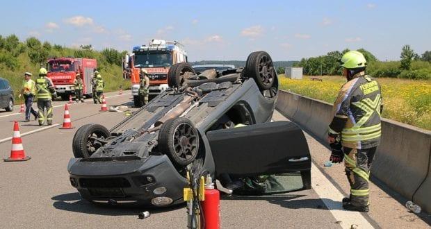 Unfall A8 Günzburg-Leipheim Pkw überschlagen 18062019 3