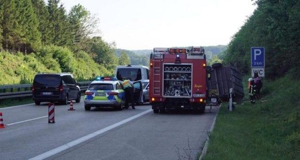 Unfall Pferdeanhänger A7 Setzingen