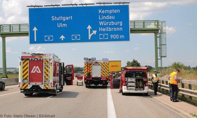 Auffahrunfall A8 Pkw-Sattelzug Kurz vor Kreuz Elchingen 18072019 5