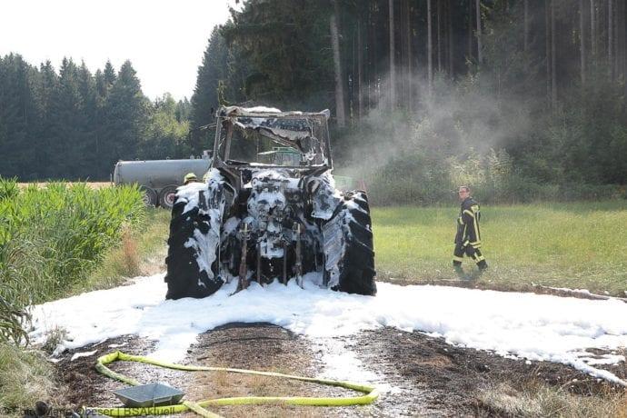 Brand Traktor Schönenberg-Kemnat 26072019 10