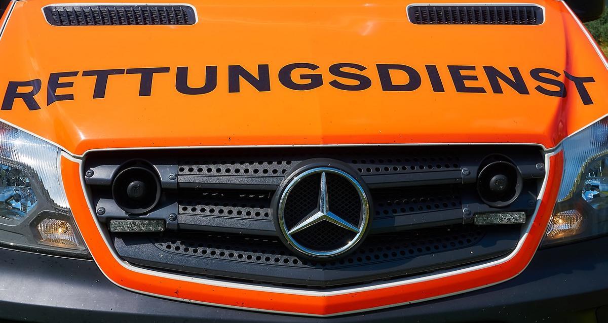 Fahrzeug Rettungswagen