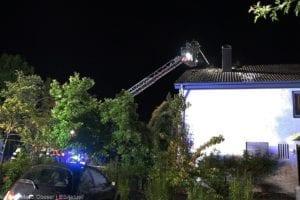Günzburg Dachstuhlbrand nach Blizschlag Mozartring 07072019 16