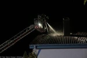 Günzburg Dachstuhlbrand nach Blizschlag Mozartring 07072019 17