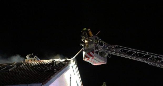Günzburg Dachstuhlbrand nach Blizschlag Mozartring 07072019 7