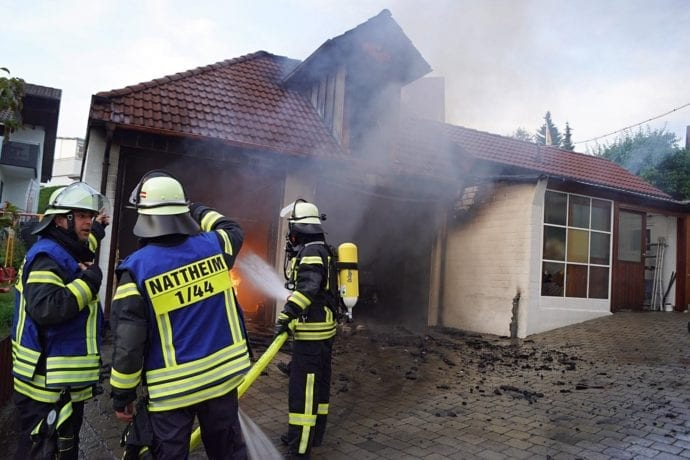 Am Samstagabend, dem 20.02.2019, war über Nattheim ein Rauchpilz zu sehen. Grund dafür war ein Brand in einer Garage.