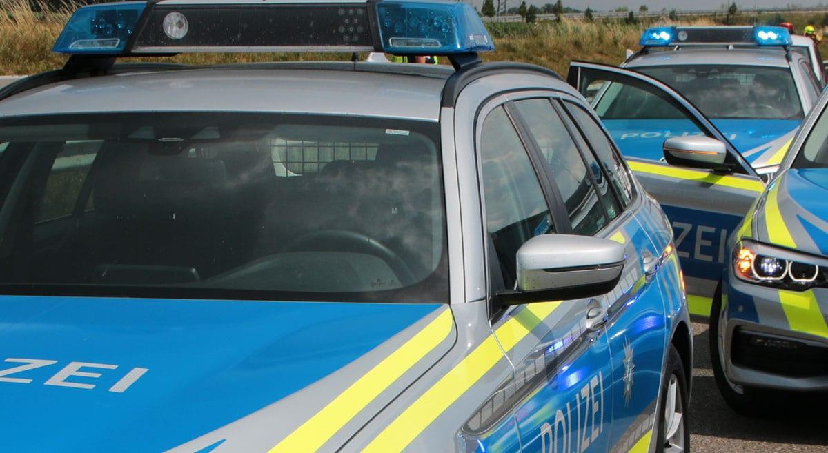 Polizeifahrzeuge im Einsatz