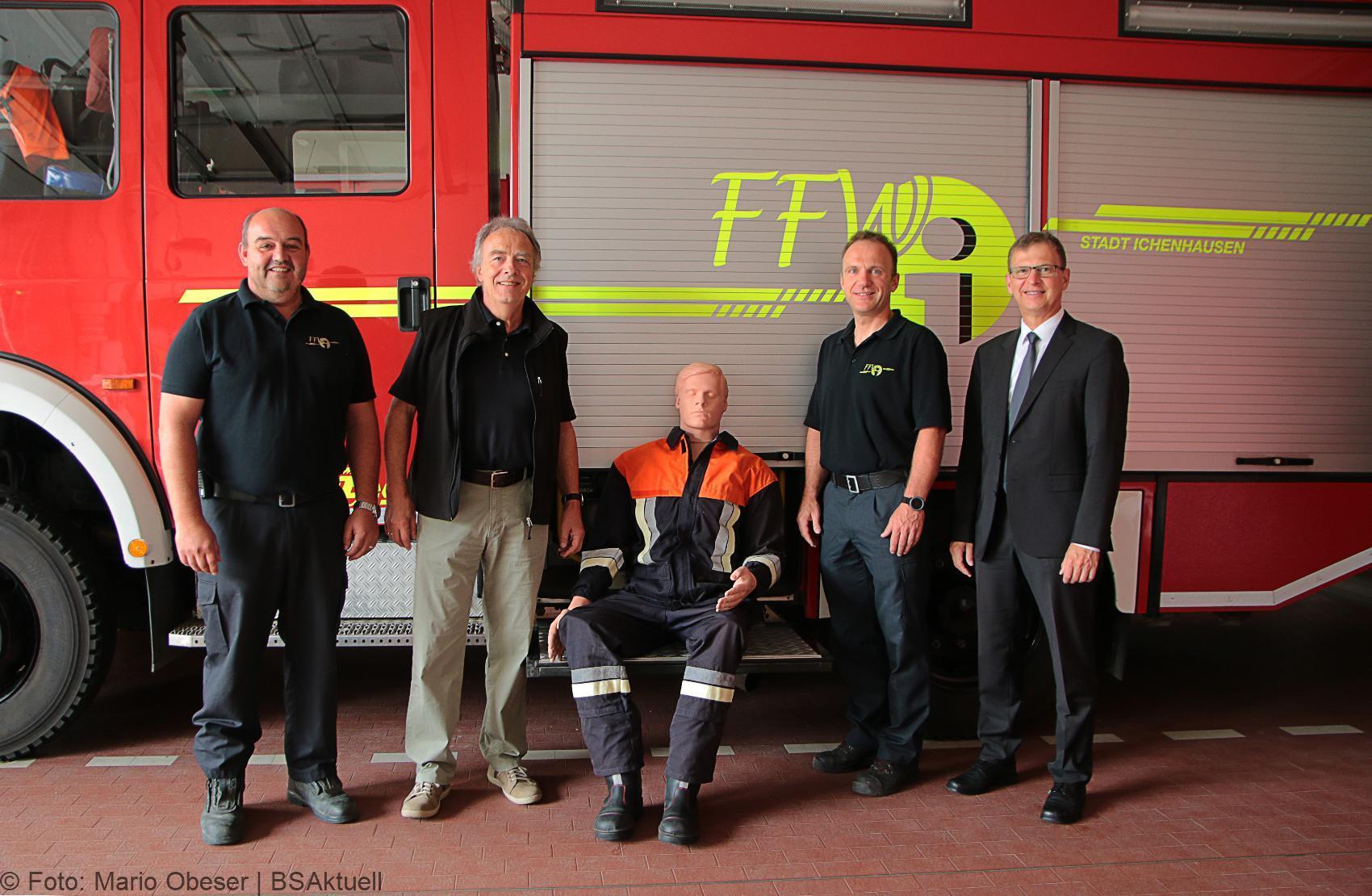 Spende Dr Kennel Feuerwehr Ichenhausen