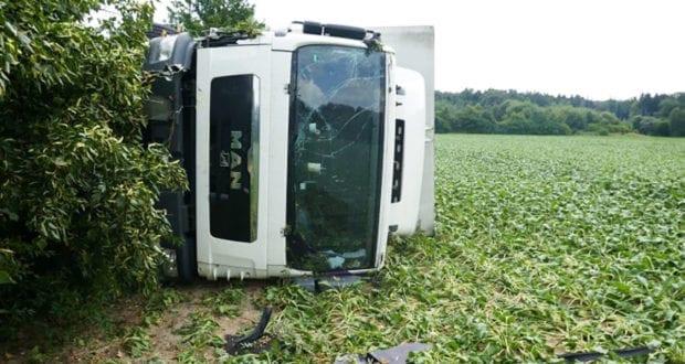 Unfall Buchdorf B2 Lkw kippt
