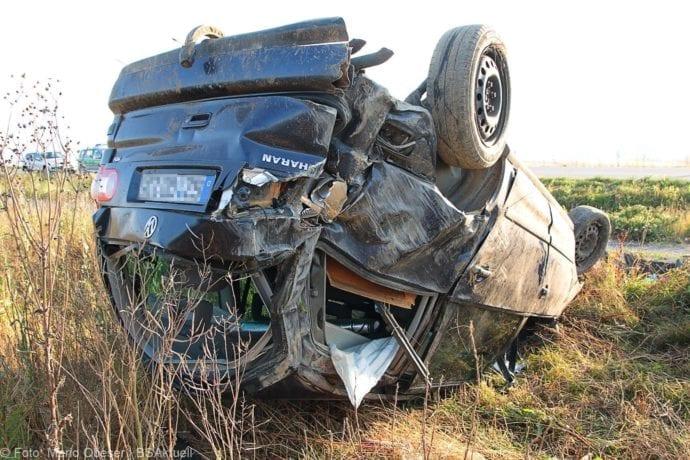 Auf der Staatsstraße 2025, der Umgehung Burtenbach, war es heute Morgen, am 26.07.2019, zu einem Verkehrsunfall mit einem Pkw gekommen.