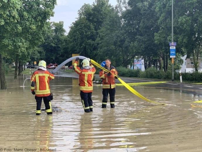 Unwetter B16 Ichenhausen überschwemmt 01072019 12