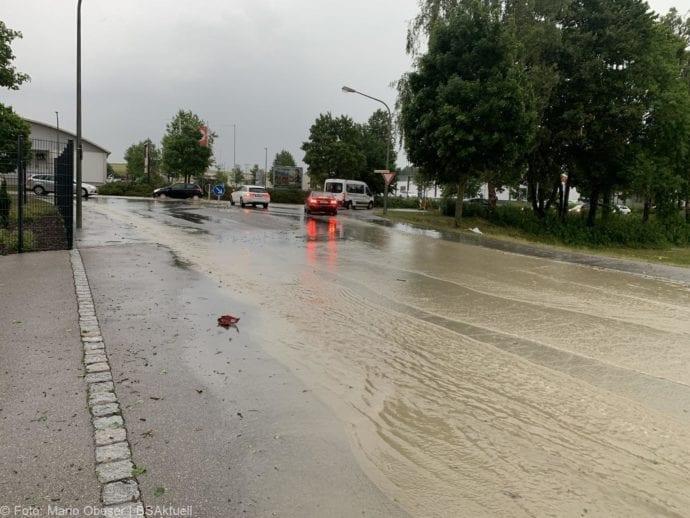 Unwetter B16 Ichenhausen überschwemmt 01072019 6
