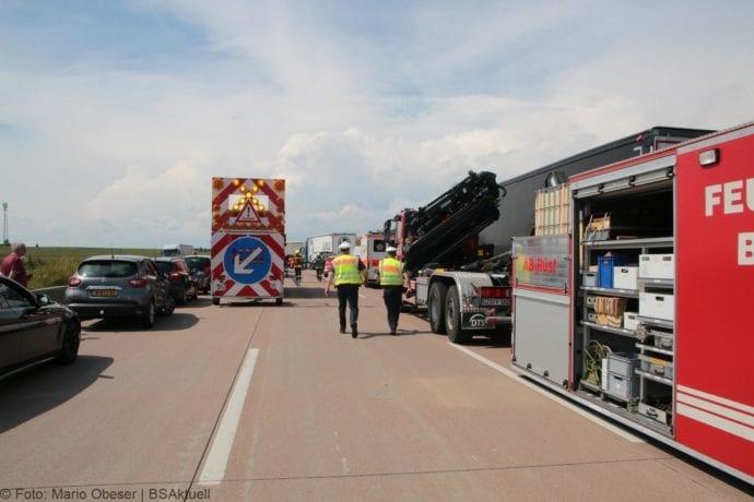 Unfall A8 Burgau-Günzburg 3 LKW 06082019 1