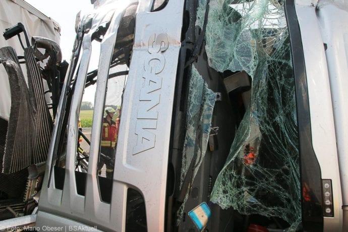 Unfall A8 Burgau-Günzburg 3 LKW 06082019 10